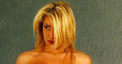 Bella bionda Arianna Pinton for Tony Cantero Suárez