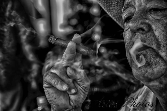 tenedor de la ceniza del cigarrillo del hogar ornamento que fuma de los accesorios caseros Vosarea Cenicero de cer/ámica del estilo creativo de los labios