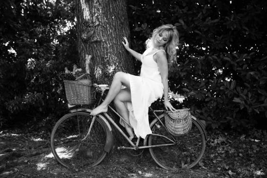 La fille en bicyclette - Stephanie Michaut by Mary Paquet for Tony Cantero Suárez