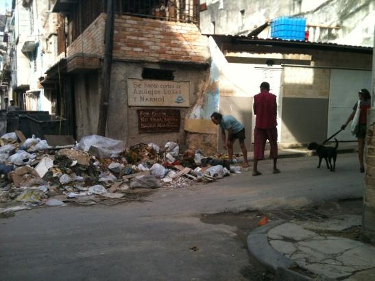 Basura en calles de la habana