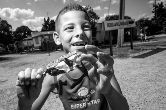 Le combat perdu .el combate perdido — en Playa Girón, Cuba by Ariel Aries