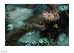 Aquatic dreams II - Mathilde under the water - Photo Eva Moreno BBGC-Paris Published on VOGUE ITALIA Monday 26 May 2014