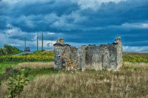 Las ruinas de la esperanza, nuestra casa by Ariel Arias