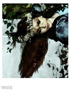 Shadows I - Lea Photo Eva Moreno BBGC-Paris Published on VOGUE ITALIA Friday May 30 2014.