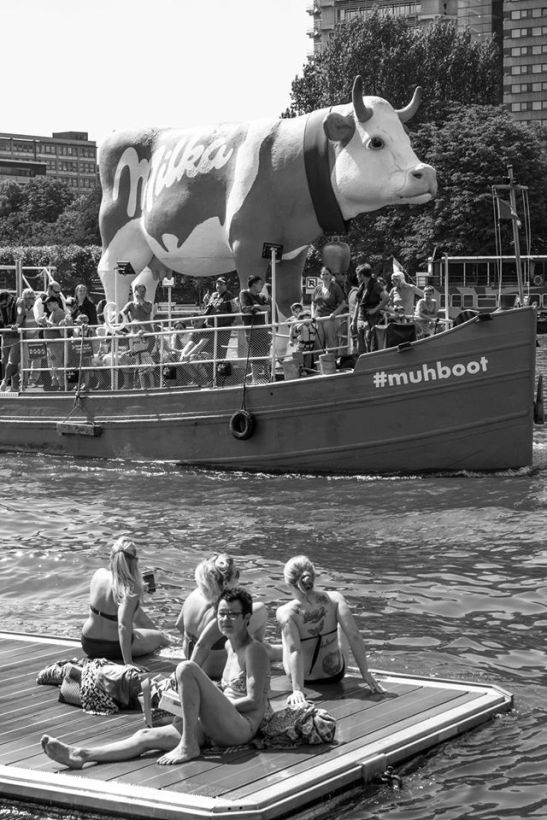 Muhboot — at Frankfurt am Main. by Ariel Arias
