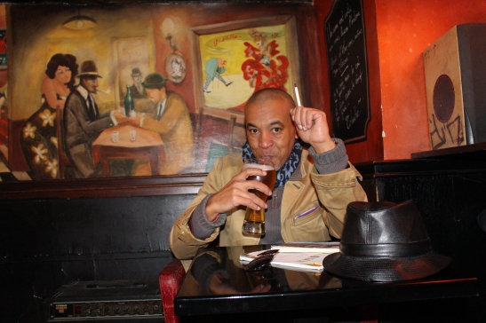 Tony Cantero Suárez by Johnny Slave in a bohemian bar at Montmartre