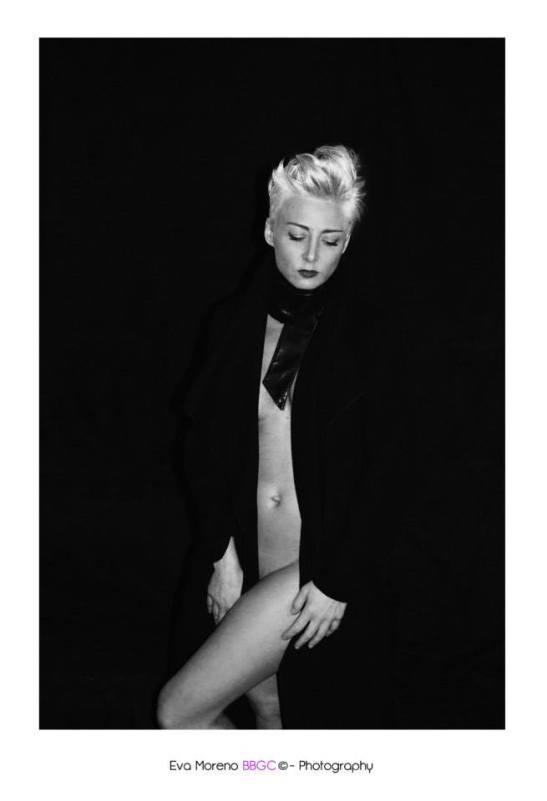 Stolen intimacy Modèle Lorena Demay Photo Eva Moreno BBGC- Copyright 2015