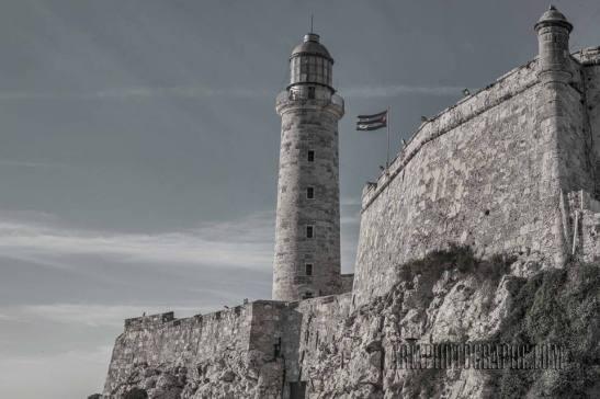 El Castillo del Morro La Habana, Cuba by Ariel Arias