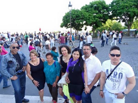 Tony, Miky, Douglas, Jacqueline & familia en Montmartre