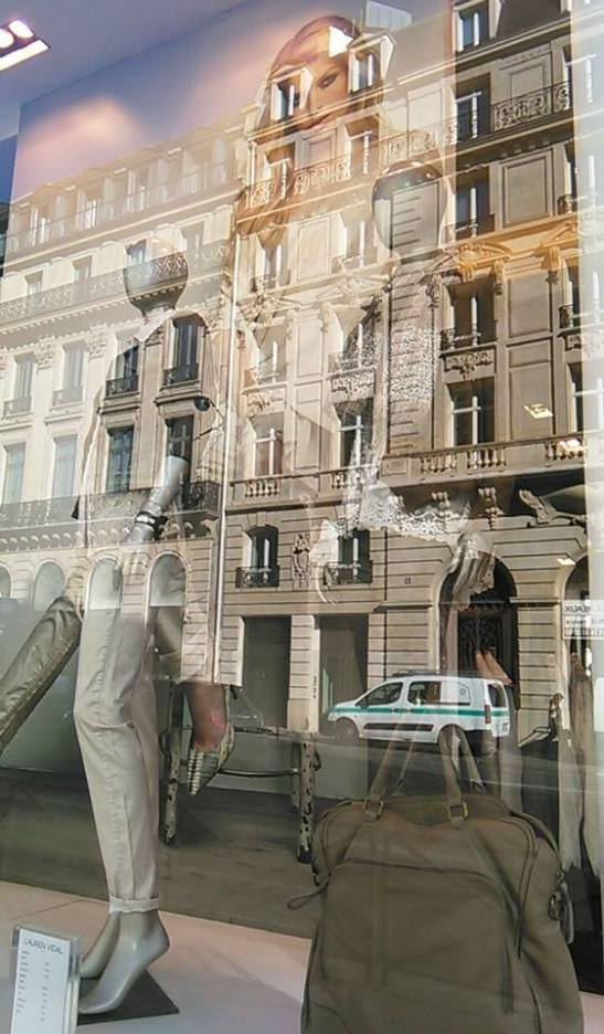 Vitrina de tienda parisina por Tony Cantero Suarez