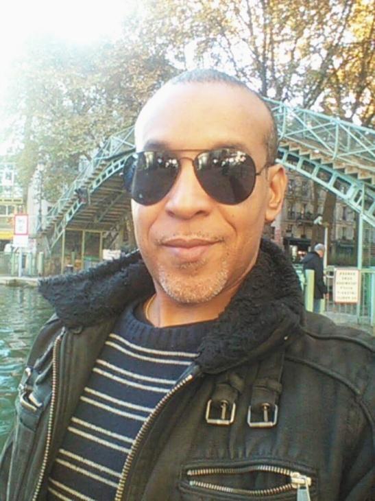 Tony Cantero Suárez en el Canal Saint Martin, Paris