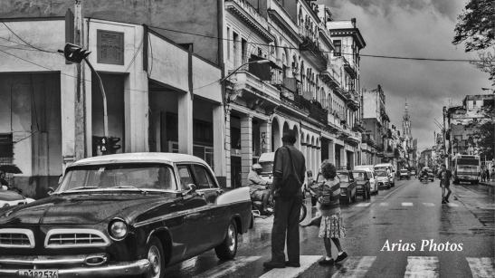 Calle Reina, la Habana - Cuba by Ariel Arias