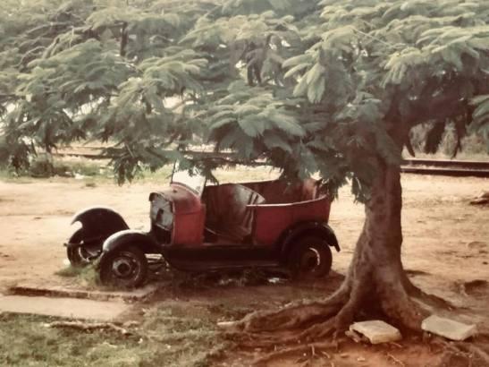 Restos de carro cubano viejo